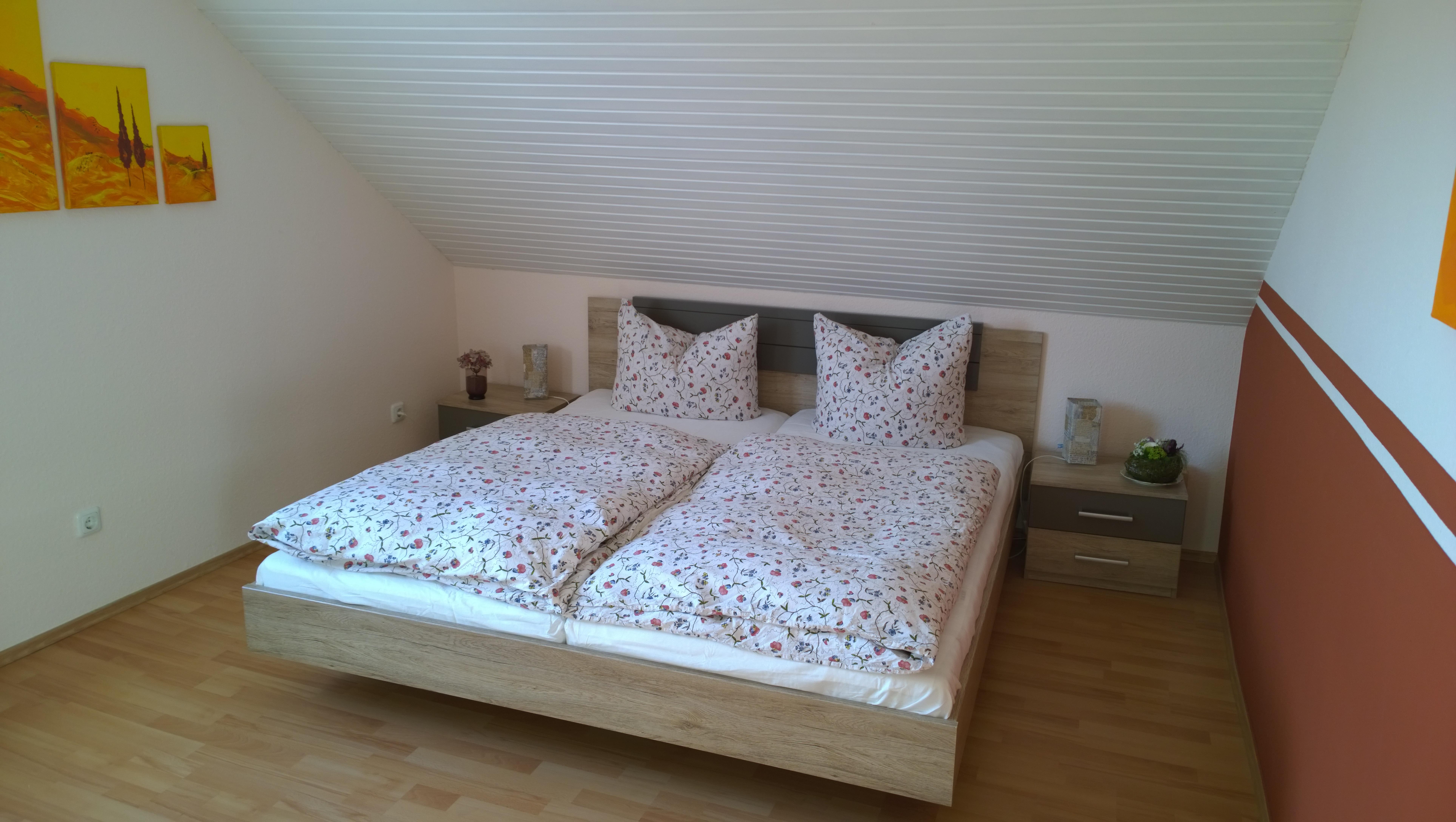 Bett zweites Schlafzimmer